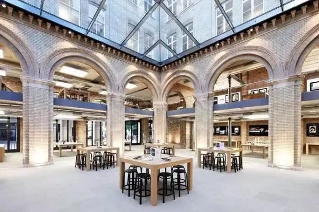 巴黎歌剧院苹果店.jpg