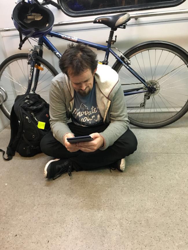 图六:携带自行车出行的乘客.jpg