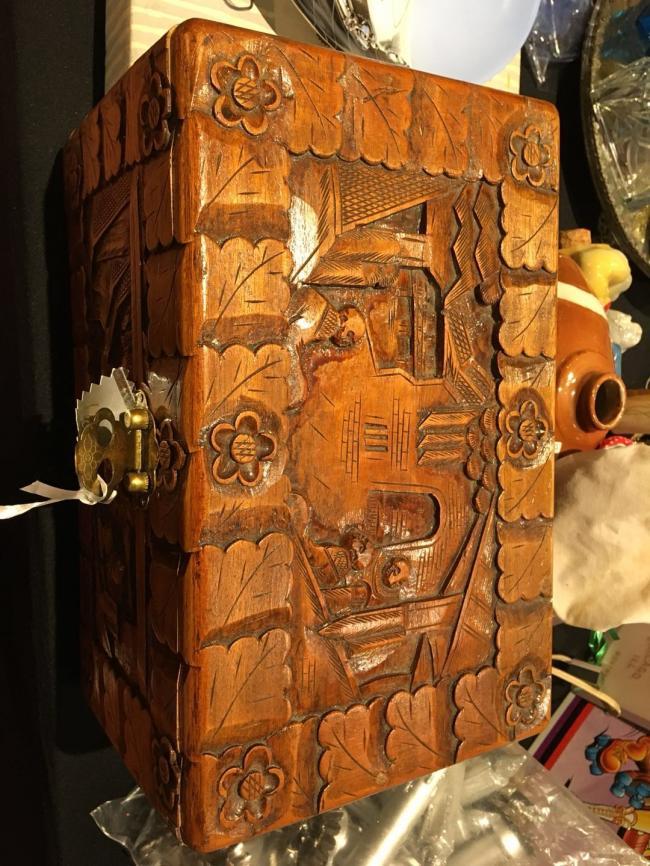 图十一:年代久远的首饰盒——时光岂止倒流五十年.jpg