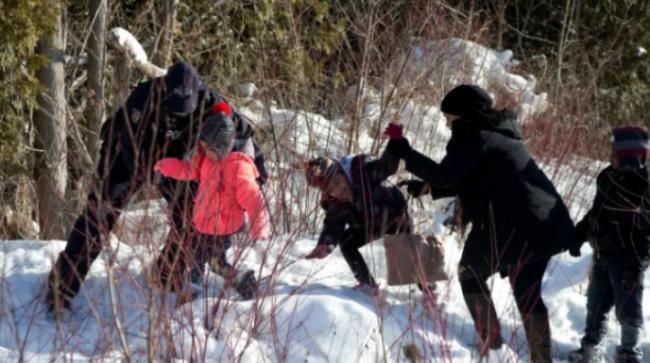 好消息:非法越境进入加拿大申请难民的数量下降