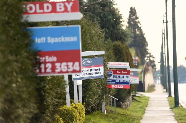 在温哥华不吃不喝12年 还是买不到一套房