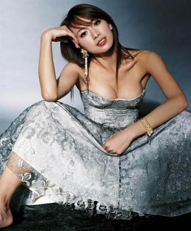 台湾第一名模林志玲15年前辣照出土