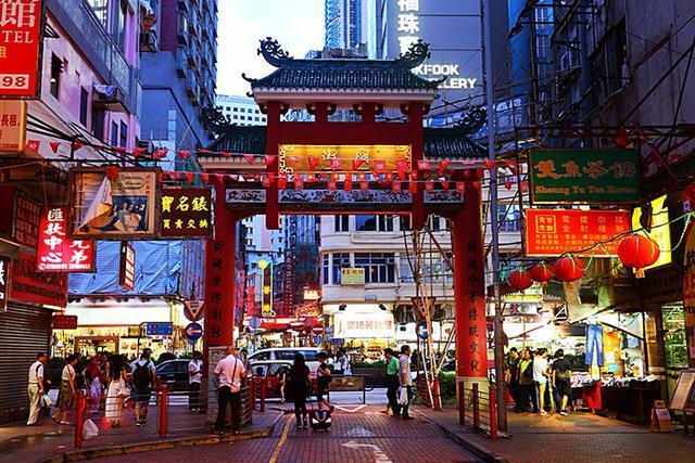 香港最有特色的街道 有很多电影都来取景