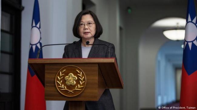 """蔡英文:中国不放弃武力就没有""""对等谈判"""""""