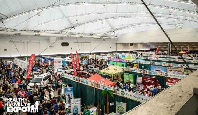 08d5568a42c9c61965871aa84c3225e746ab6180_aerial-shot-of-exhibitor-booths-at-healthy-family-expo.jpg