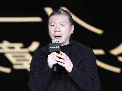 冯小刚导演协会年度会疑谈崔永元风波 数度落泪