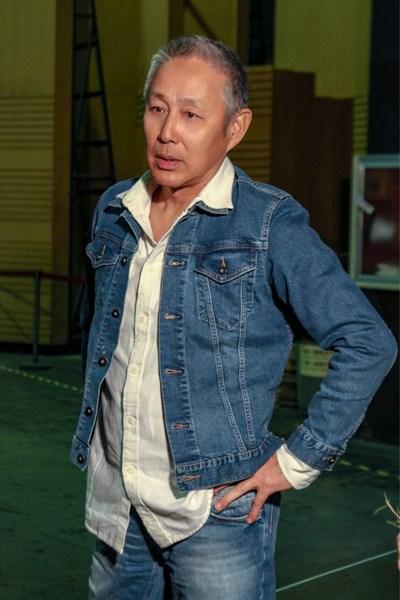 63岁陈道明和65岁濮存昕同框 4个月头发竟全白了