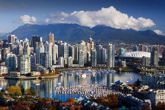 大批中国买家逃离温哥华! 疯狂入多伦多