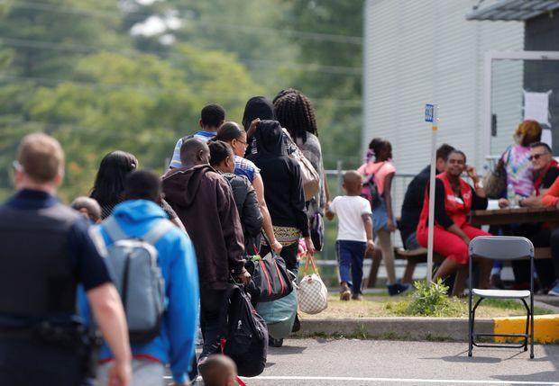 特鲁多政府突然转向:限制难民 被炮轰