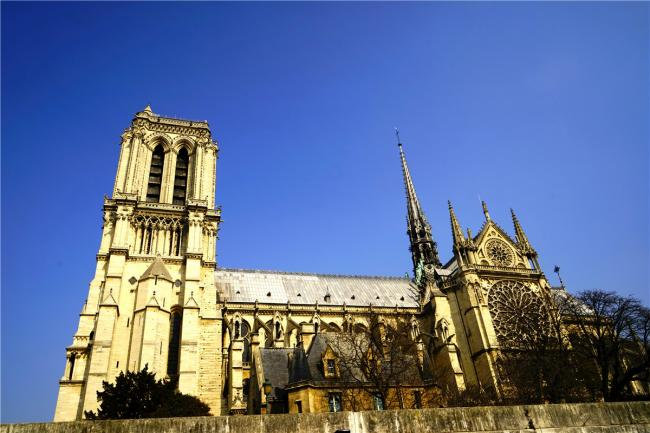 昔日的巴黎圣母院