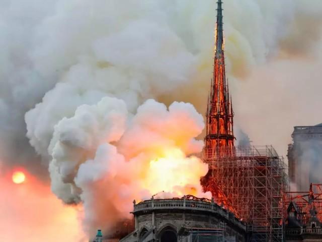 借火翻新是所有大教堂命�\?圣母院大火的真相