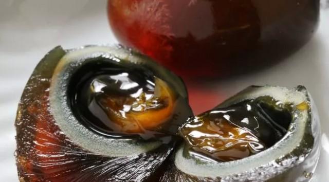 华人在国外卖皮蛋被抓!警方:不适合人类食用