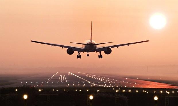 今年夏天机票狂贵 留学生望票兴叹已放弃回国