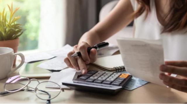 新调查:83%的加拿大人在财务问题上有压力