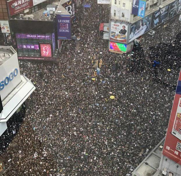 香港大学生:无论肤色种族,全体香港人都愤怒