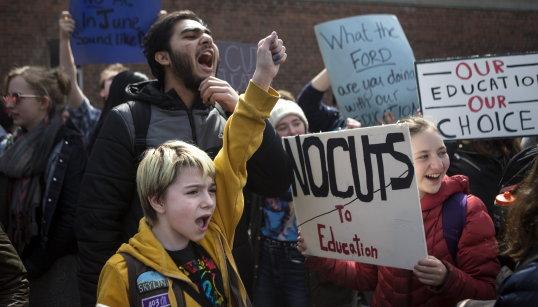 中小学生抗议福特闹得欢 这学生得到天价罚单