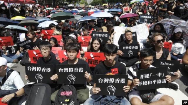 民调:44%的香港人支持台湾独立