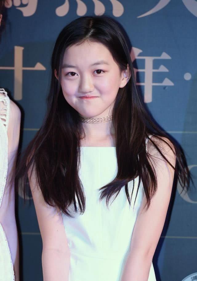 13岁李嫣进行第三次矫正手术 嘴型变美鼻子塌了