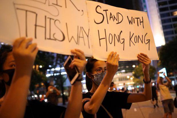 香港加拿大人呼吁大�x投票,青�A保守�h立��