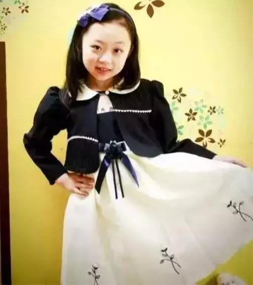 """母亲是""""韩国第一美女""""金喜善 她被骂丑多年"""