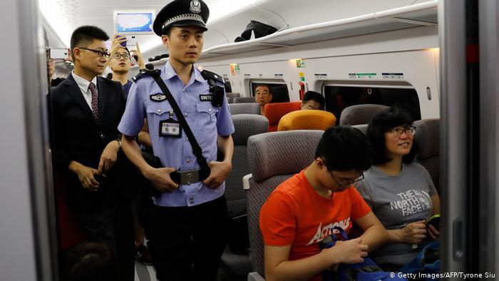 Eröffnung Hochgeschwindigkeits-Eisenbahn Hongkong und chinesischem Festland (Getty Images/AFP/Tyrone Siu)