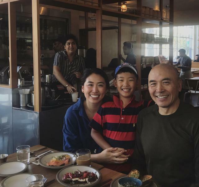 同父异母 郎平女儿与小二十岁弟弟聚餐