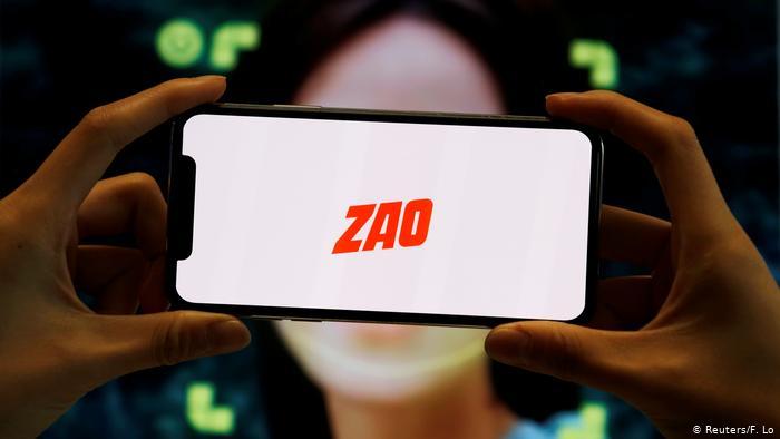 Chinesischer Gesichtsaustausch-App Zao (Reuters/F. Lo)