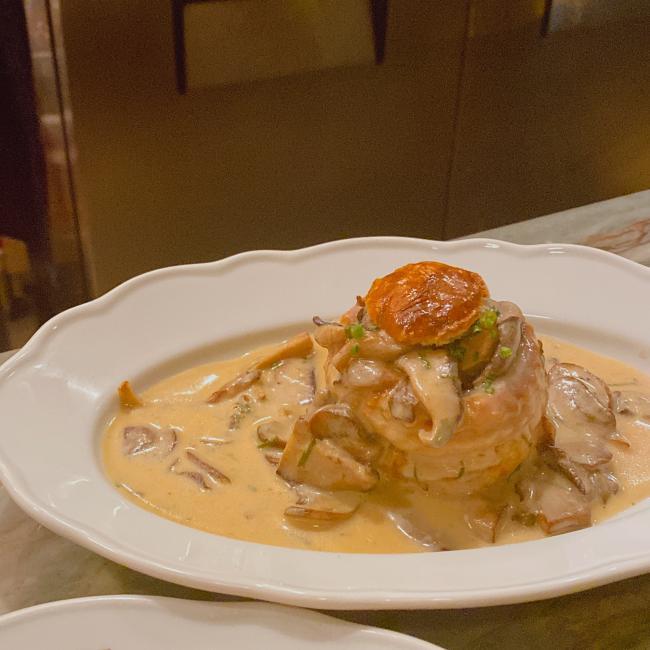 Vol-au-vent aux champignons & sauce Mornay.JPG