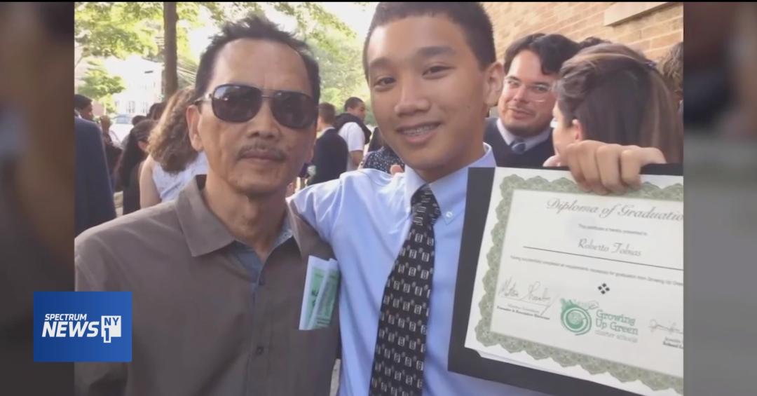 因疫情痛失双亲, 17岁的他立誓成为医生, 纽约客众筹7w为其圆梦