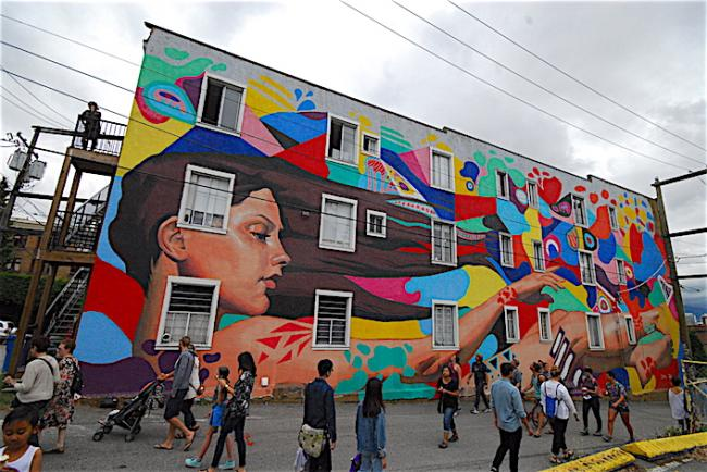 mural01.JPG
